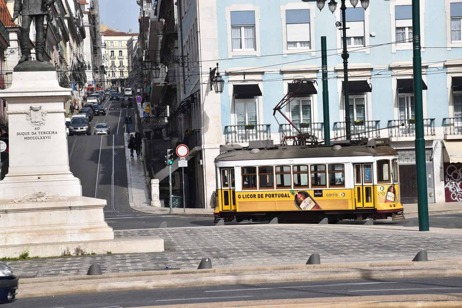 The 5 Must-See Attractions in Lisbon